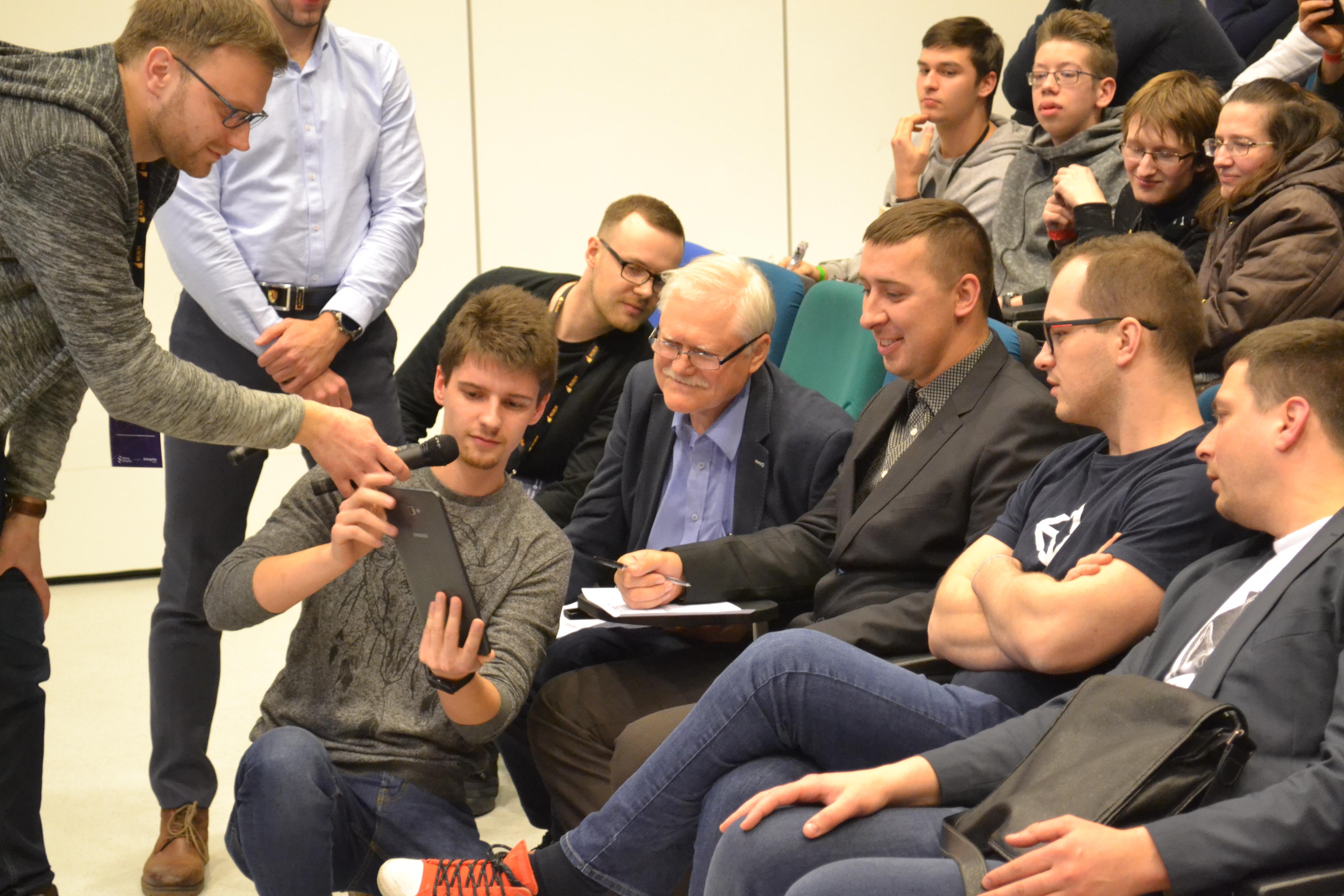 """Rekordinėse """"Hacker Games"""" kūrėjų žaidynėse Kaune gimė 49 idėjos"""