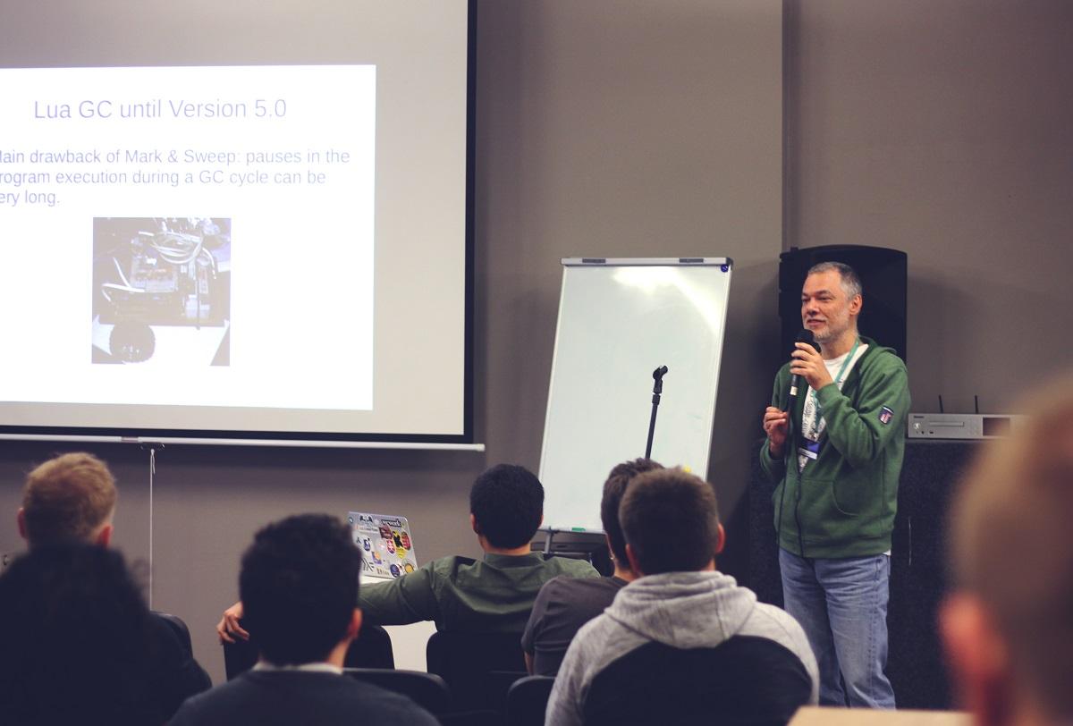 """Išskirtinės programavimo kalbos kūrėjas lietuviams: """"Norint sukurti programavimo kalbą, pirmiausiai reikia gerai išmokti jau esančias"""""""