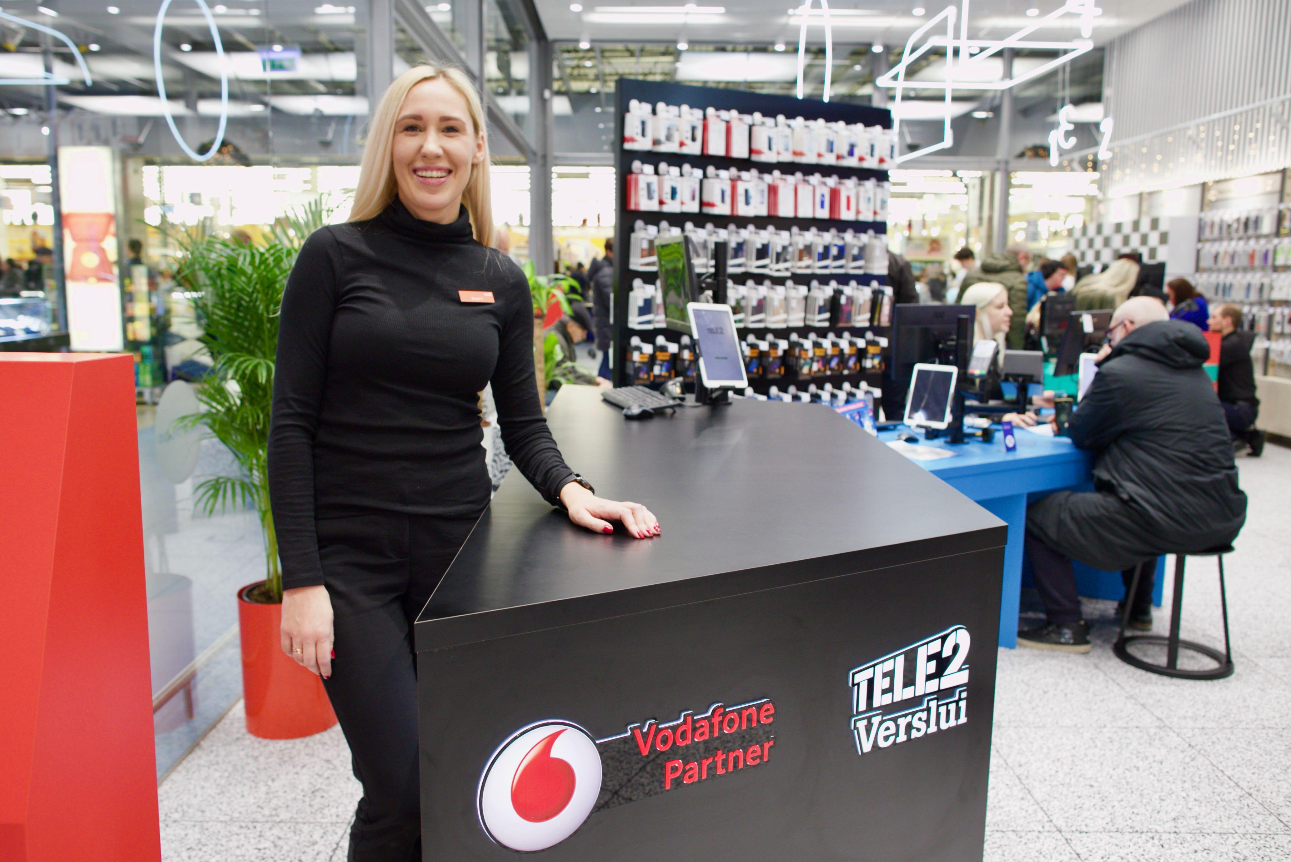 """""""Tele2"""" atidarė savo didžiausią naujos kartos saloną Lietuvoje: pristatė 3 naujienas"""