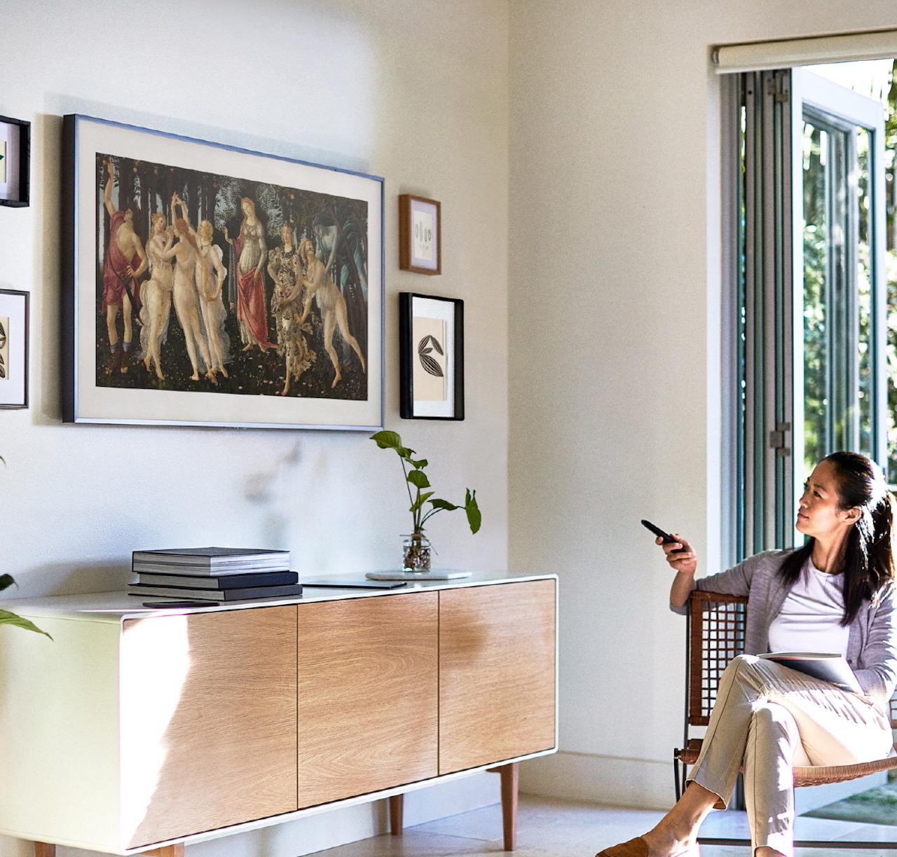 Įjungtas – įprastas televizorius, išjungtas – tikras meno kūrinys