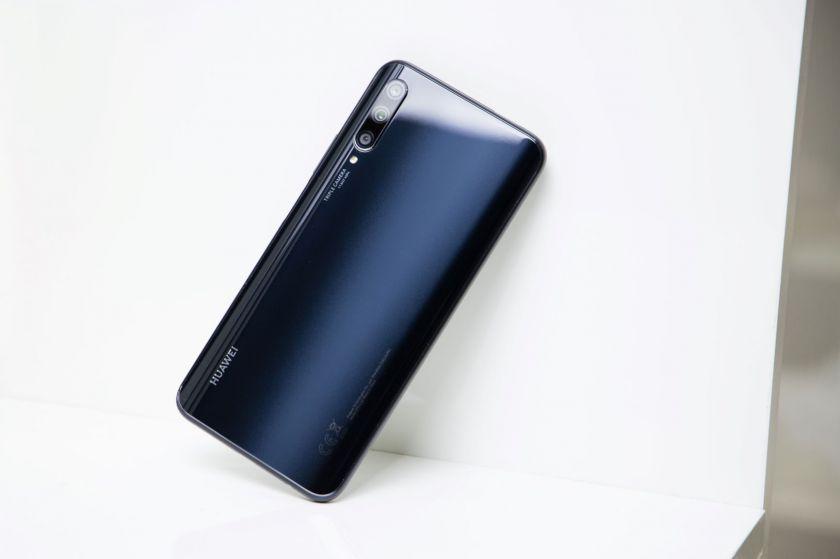 """""""Huawei"""" pristato naują išmaniųjų flagmaną: sukurtas mėgstantiems fotografuoti"""