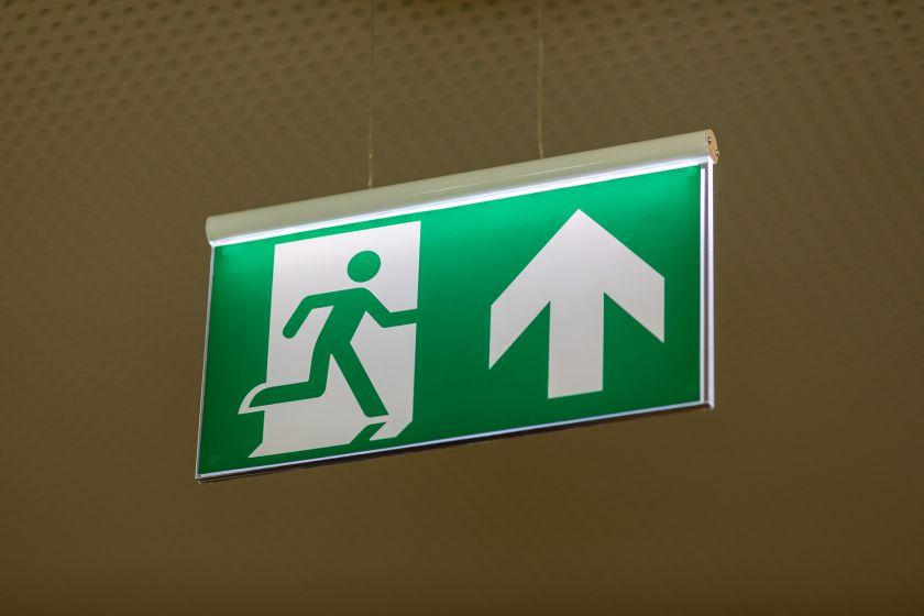 Naujas saugumo etapas Lietuvoje: įdiegta evakuacijos sistema, kuri nukreips žmones nuo pavojaus židinio